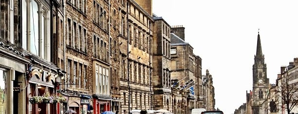 The Royal Mile is one of Edimburgo ✈️.