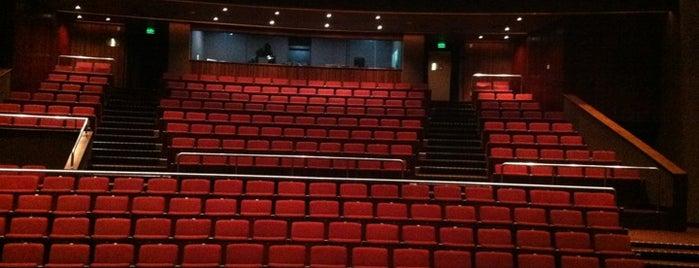 Teatro CIEE is one of Tempat yang Disukai Káren.