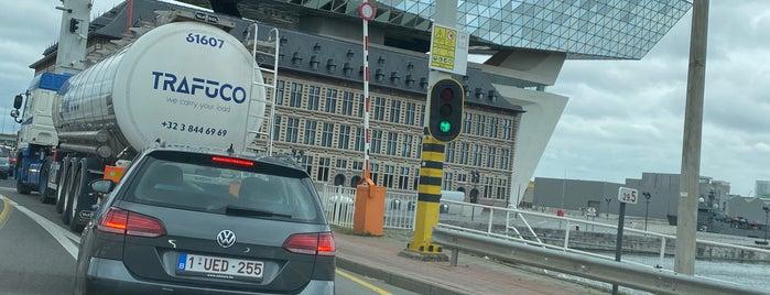 Zaha Hadidplein is one of Antwerpen.