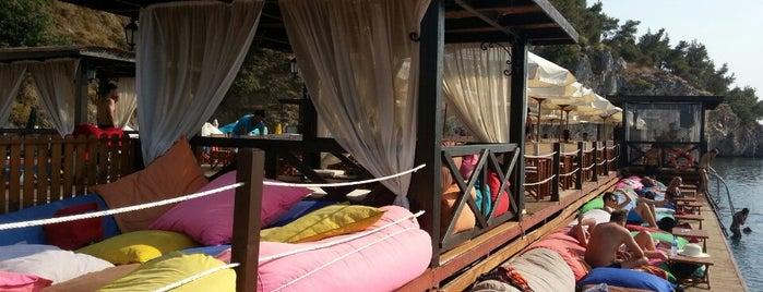Ice & Sun Beach is one of สถานที่ที่บันทึกไว้ของ Nagihan.