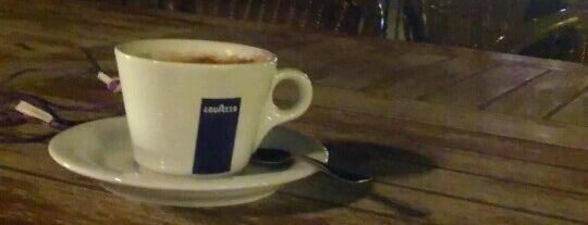 Gümbet Cafe is one of Orte, die D gefallen.
