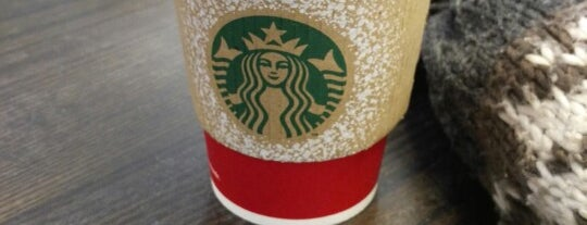 Starbucks is one of Locais curtidos por Maksim.
