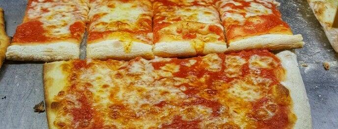 Pizza Amore e Fantasia is one of Yemek.