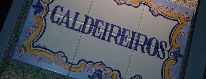 Caldeireiros is one of Restaurant Porto.