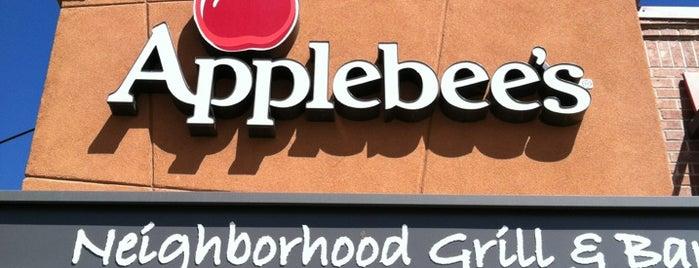 Applebee's Grill + Bar is one of Krystal 님이 좋아한 장소.