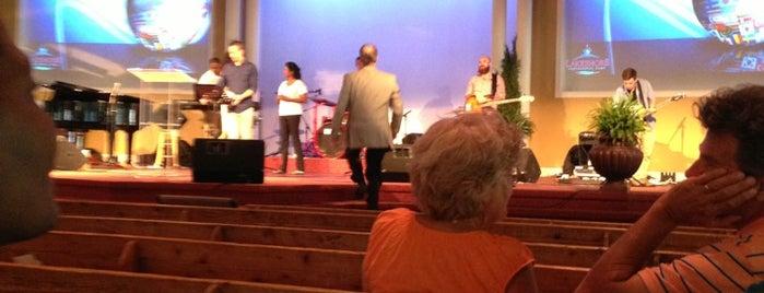 Lakeshore Pentecostal Camp is one of Tempat yang Disimpan Deborah Lynn.