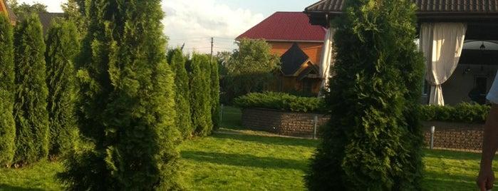 """Резиденция """"Горный Ручей"""" is one of สถานที่ที่ Саша ถูกใจ."""