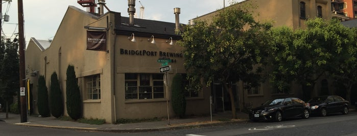 BridgePort Brew Pub is one of A long weekend guide to Portland.....