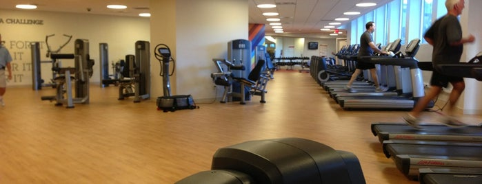 Sheraton New Orleans Fitness Center (8th Floor) is one of Tempat yang Disukai Claudio.