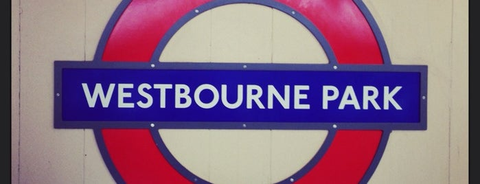 Westbourne Park London Underground Station is one of Orte, die Aptraveler gefallen.
