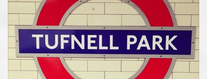 Tufnell Park London Underground Station is one of สถานที่ที่ Carl ถูกใจ.