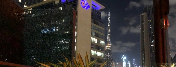 Luna Sky Bar is one of دبي.
