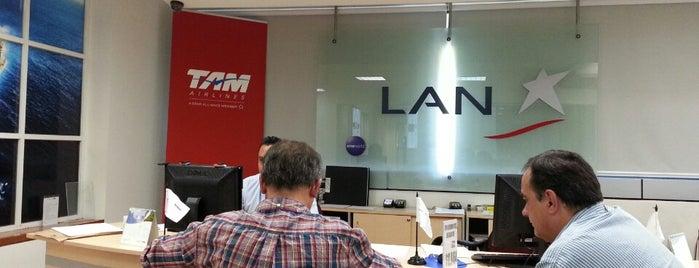LAN Airlines is one of สถานที่ที่บันทึกไว้ของ Arturo.