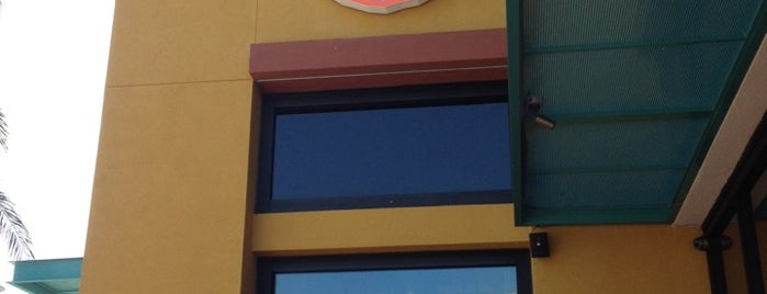 Blaze Pizza is one of Get In My Belly/Oakland.