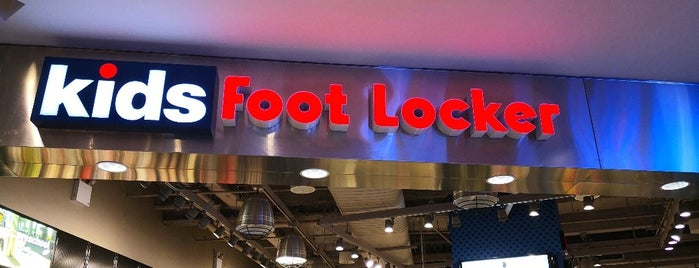 Foot Locker Flagship Store is one of Lugares favoritos de Erik.