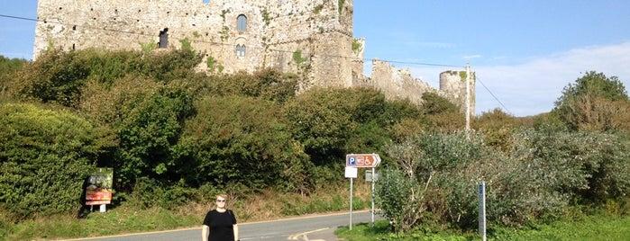 Manorbier Castle is one of Tempat yang Disukai Tobias.