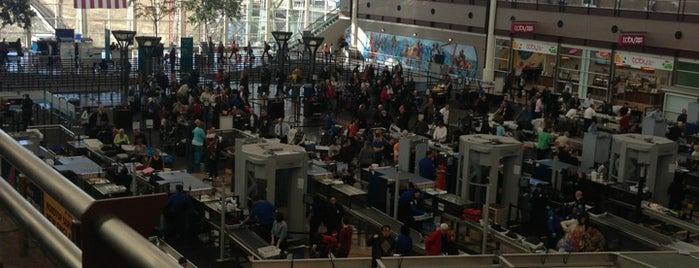 Aeroporto internazionale di Denver (DEN) is one of 人擠人的地方.