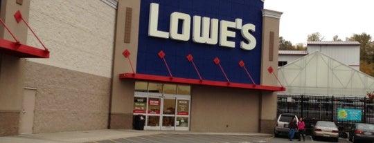 Lowe's is one of Tempat yang Disukai Nathan.