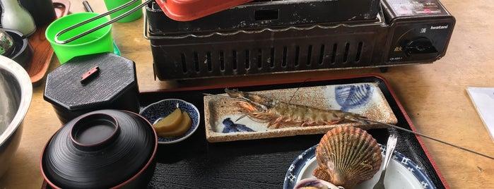 海上レストラン さざ波 is one of Locais curtidos por 商品レビュー専門.
