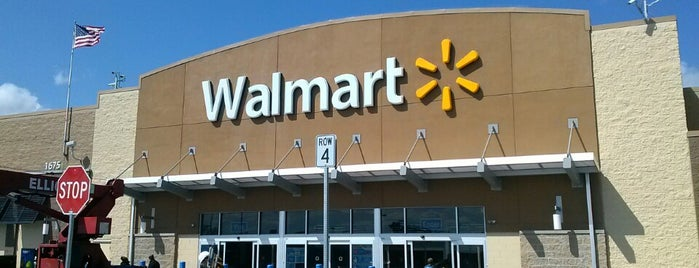 Walmart is one of Lugares favoritos de Sir Chandler.