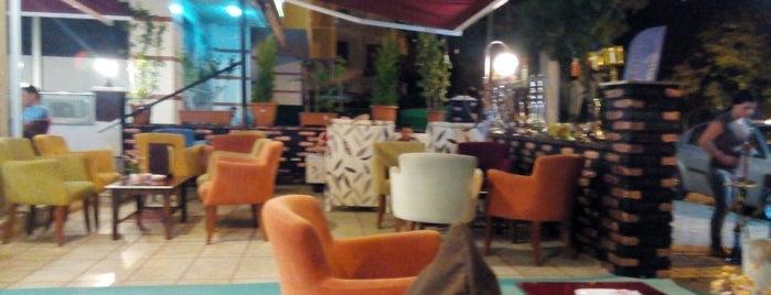 Yaka Flora Nargile & Cafe is one of สถานที่ที่บันทึกไว้ของ Fatih.