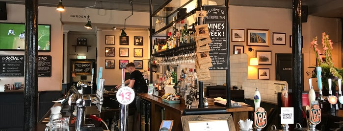 The Metropolitan is one of London Pubs.