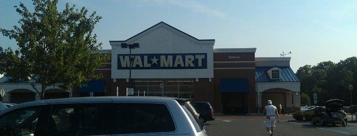 Walmart is one of Orte, die Carlos gefallen.