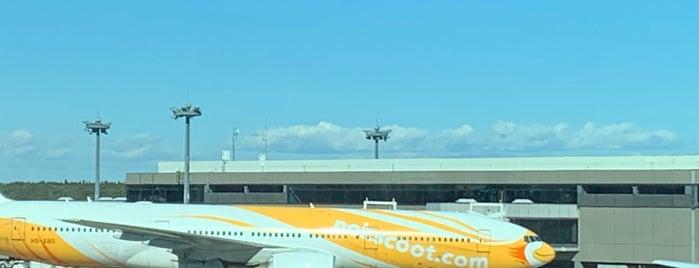 NRT - GATE 84 (Terminal 2) is one of Posti che sono piaciuti a Christopher.