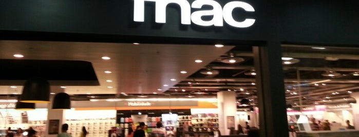 Fnac is one of Lugares favoritos de priscila.