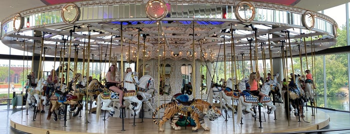Looff Carrousel & Gift Shop is one of U.S. Road Trip.
