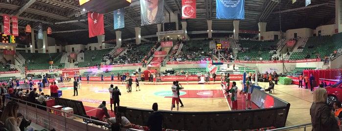 Tofaş Spor Salonu is one of Selcuk'un Beğendiği Mekanlar.