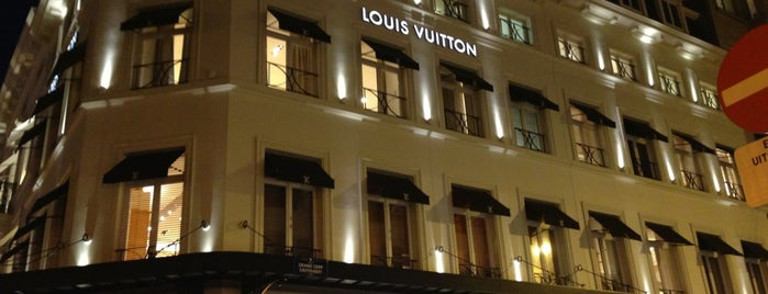 Louis Vuitton is one of Orte, die Van De Zande gefallen.