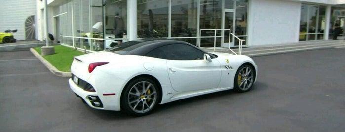 Lamborghini & Ferrari Test Drive is one of Posti salvati di O&S.