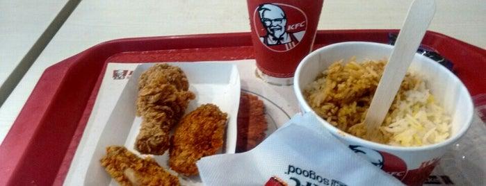 KFC is one of Lugares favoritos de Jobin.