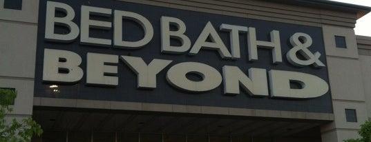 Bed Bath & Beyond is one of Lugares favoritos de Juan.
