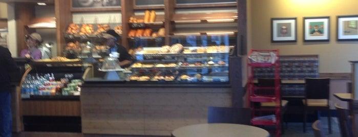 Panera Bread is one of Stef'in Beğendiği Mekanlar.