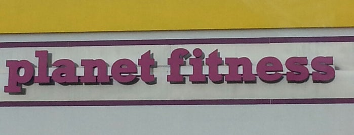 Planet Fitness is one of Locais curtidos por Halimah.