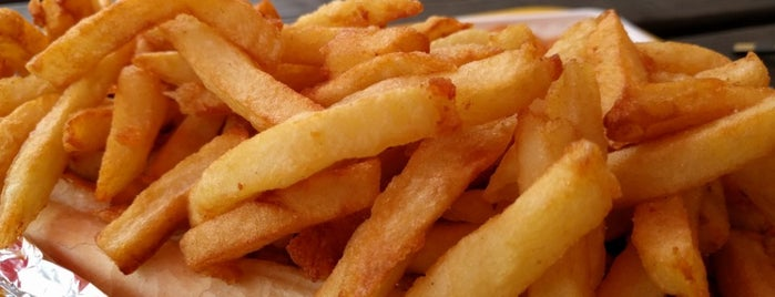 "Raphaël is one of It's not ""French fries"" but ""Belgian Fries"" !."