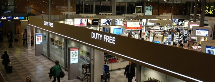 Helsinki Duty Free is one of Locais curtidos por J..