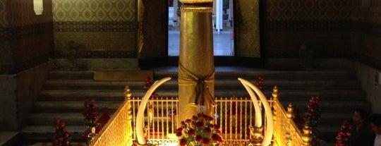Bangkok City Pillar Shrine is one of Gordonさんのお気に入りスポット.