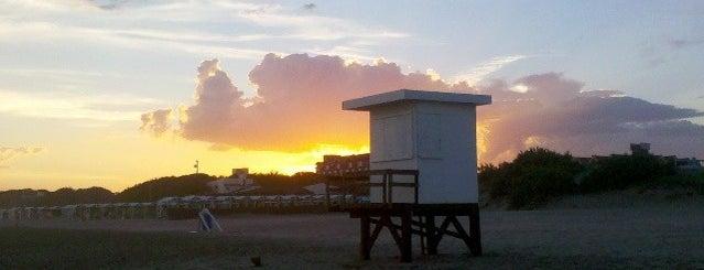 Playa de Ostende is one of PASEOS & VIAJES.