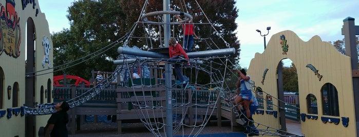 Children's Park is one of Tempat yang Disimpan Jenn 🌺.