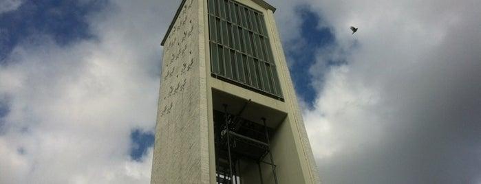 Evangelische Trinitatiskirche is one of Alexandra 님이 좋아한 장소.