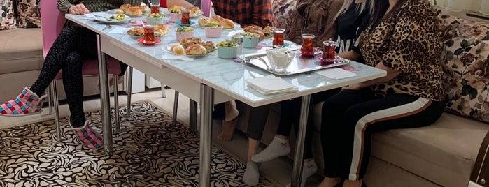 Bayraklı Cumartesi Pazarı is one of Lieux qui ont plu à İrmgmz.