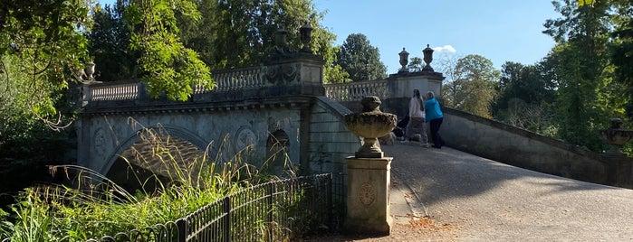 Chiswick House & Gardens Classical Bridge is one of Posti che sono piaciuti a Yunus.