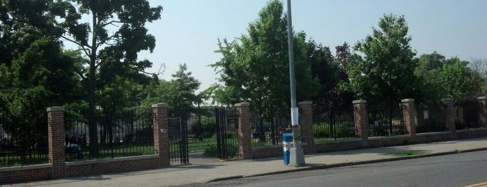 Gravesend Park is one of Where to play ball — Public Courts.