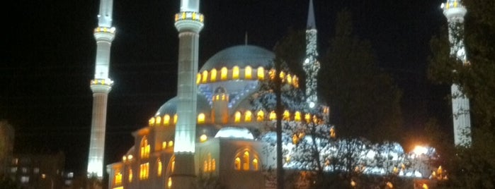 Otogar Zeki Altındağ Camii is one of Tempat yang Disukai Berat Muhammed.