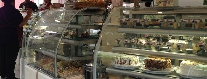 Dona Flor Cafeteria e Doceria is one of Orte, die Tamires gefallen.