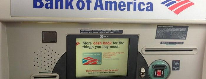 Bank of America is one of Tempat yang Disukai Tracie.