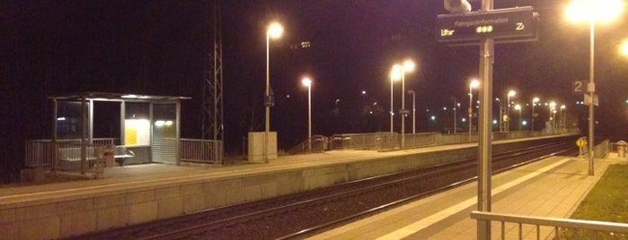 Bahnhof Übach-Palenberg is one of Bahnhöfe im AVV.